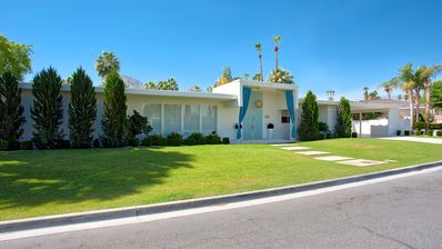 Gorgeous Mid Century modern in exclusive Indian Wells Country Club neighborhood.