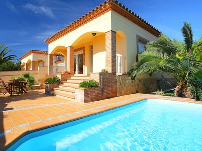 Photo for This 3-bedroom villa for up to 6 guests is located in L'Escala and has a private swimming pool......