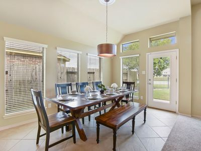 Photo for Gorgeous one story home, in Conroe minutes from Spring and The woodlands.