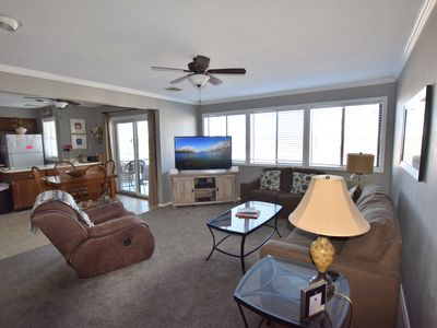 Photo for * Walk-In Unit*Close to Mall*2 Bed/2Bath (Sleeps 8)*VERY CLEAN!