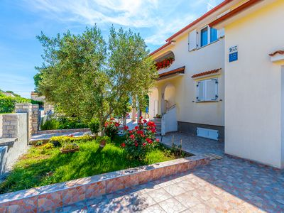 Photo for Attractive apartment with kitchen, air conditioning, WiFi, terrace with barbecue