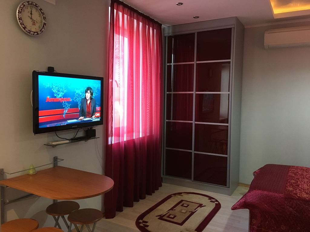 Lovely Studio Flat in the Center of the City Photo 1