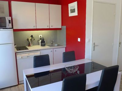 Photo for Lovely apartment for 4 people with WIFI, A/C, TV, balcony, pets allowed and parking