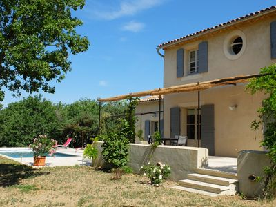 Photo for Charming Provencal country house with pool
