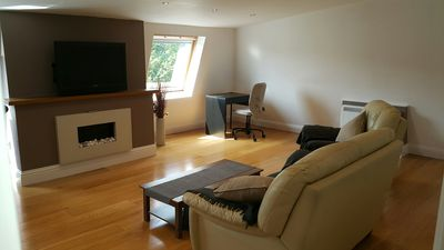Photo for Spacious Modern 2 Bed North London Apartment