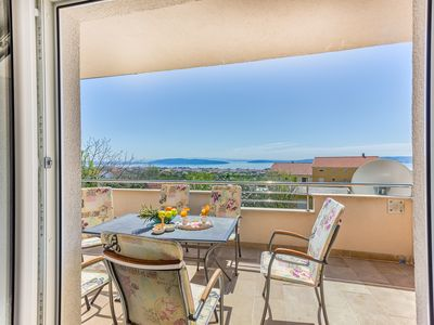 Photo for Cozy holiday apt  with amazing sea view and spacious garden with BBQ