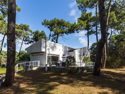 Photo for Architect house in the center of Cap-Ferret
