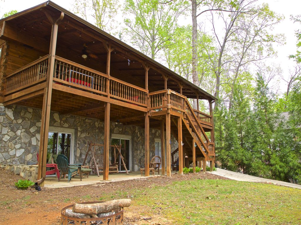cabins dock yards property in hartwell carolina ha the beach south hotels on area cabin from deal lake private bed s image home rentals conservation luxury log