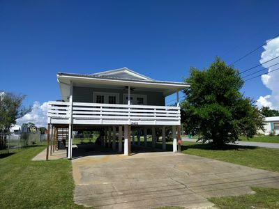Photo for Only 2 Blocks to beach! Quiet area, close to attractions!