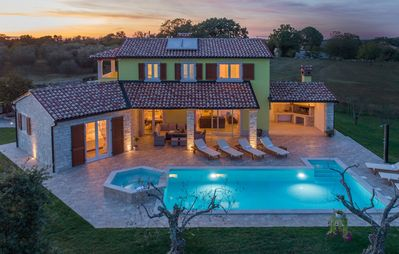 Photo for Villa Gardenia with pool, garden and jacuzzi