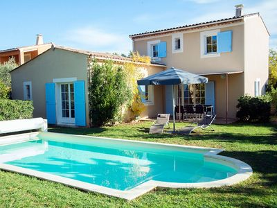 Photo for Luxury Provencal villa with view on the Lubéron surroundings