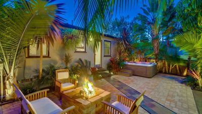 15% OFF to 6/15 - Sunset Cliff Compound, 1 Block to Water w/ 2 Spas