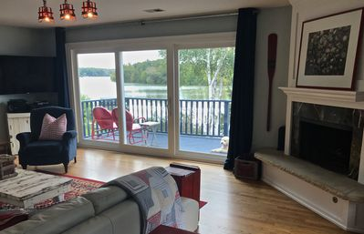 panoramic views of lake from the family room
