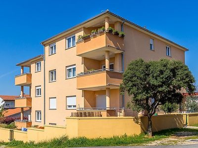 Photo for Apartment ORANGE HOUSE in Pula - 3 persons, 1 bedrooms