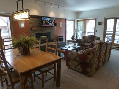 Beautifully decorated Living Room & Dining area, gas fireplace, large HDTV