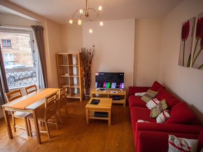 Photo for 2-Bedroom Scotstoun Apartment sleeps 5