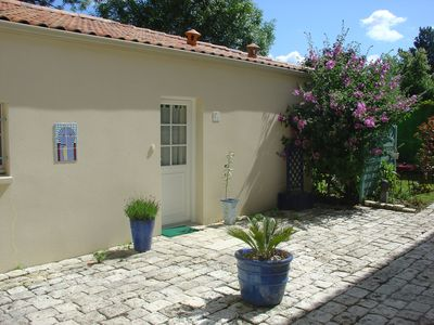 Photo for Charming house of 61 m2 with veranda, 1 car garage and fenced garden