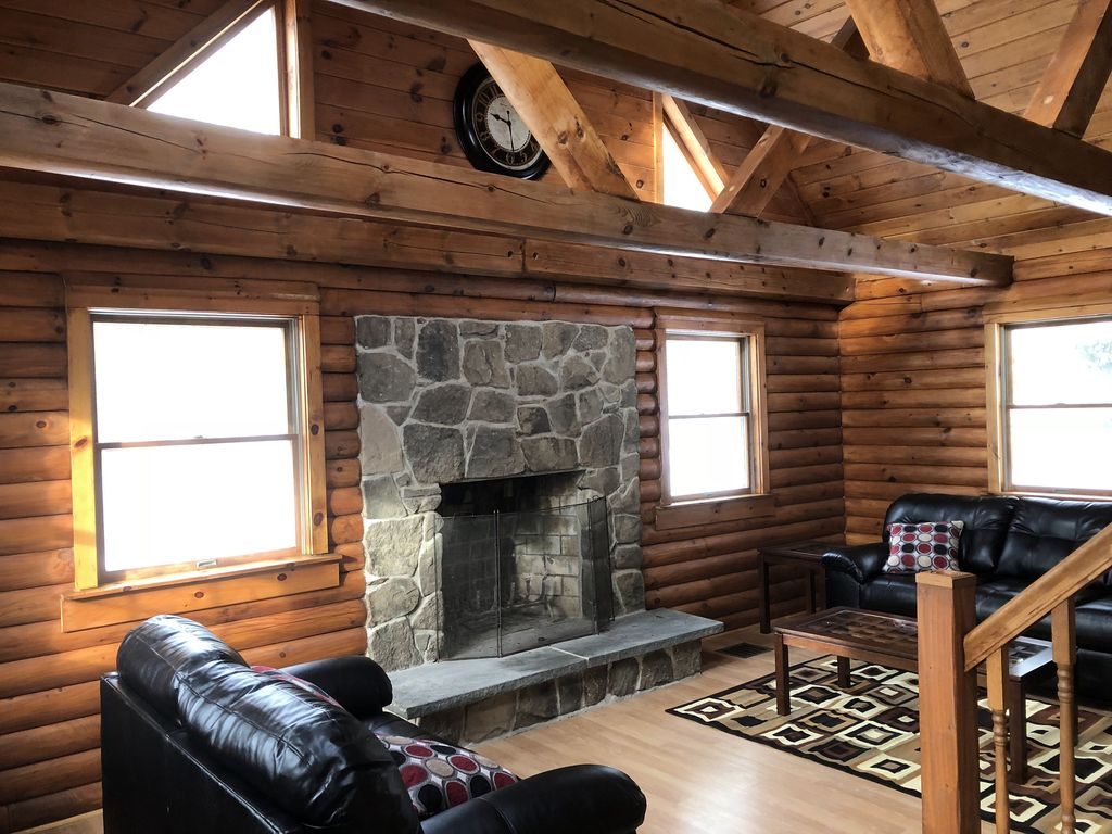 michigan upper log pa rentals maine cabins tub in with romantic cabin hot