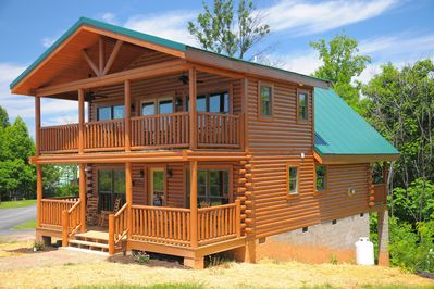 Brand New Cabin:Convenient to Everything the Smokies has to offer! -  Gatlinburg