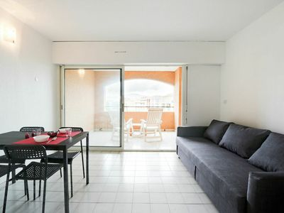 Photo for Beautiful apartment for 4 guests with pool, WIFI, A/C, TV, balcony and parking