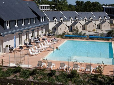 Photo for Maison proche du centre-ville et plage | Piscine + Salle fitness