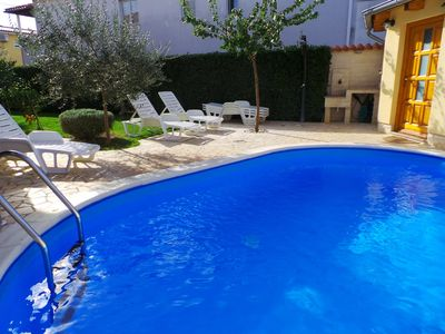 Photo for Holiday house with pool, barbecue and patio