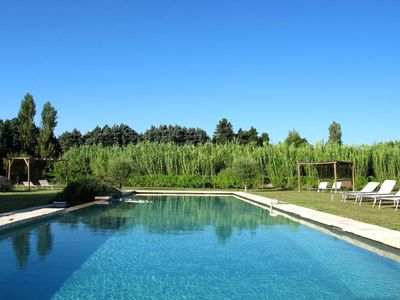 Photo for Charming renovated farmhouse of the17th century, between Avignon & the Luberon