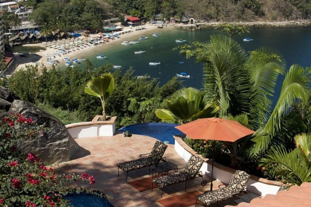 Gated secure and very private villa in the sierra madre mountains south shore hotel area for Sierra madre swimming pool sierra madre ca