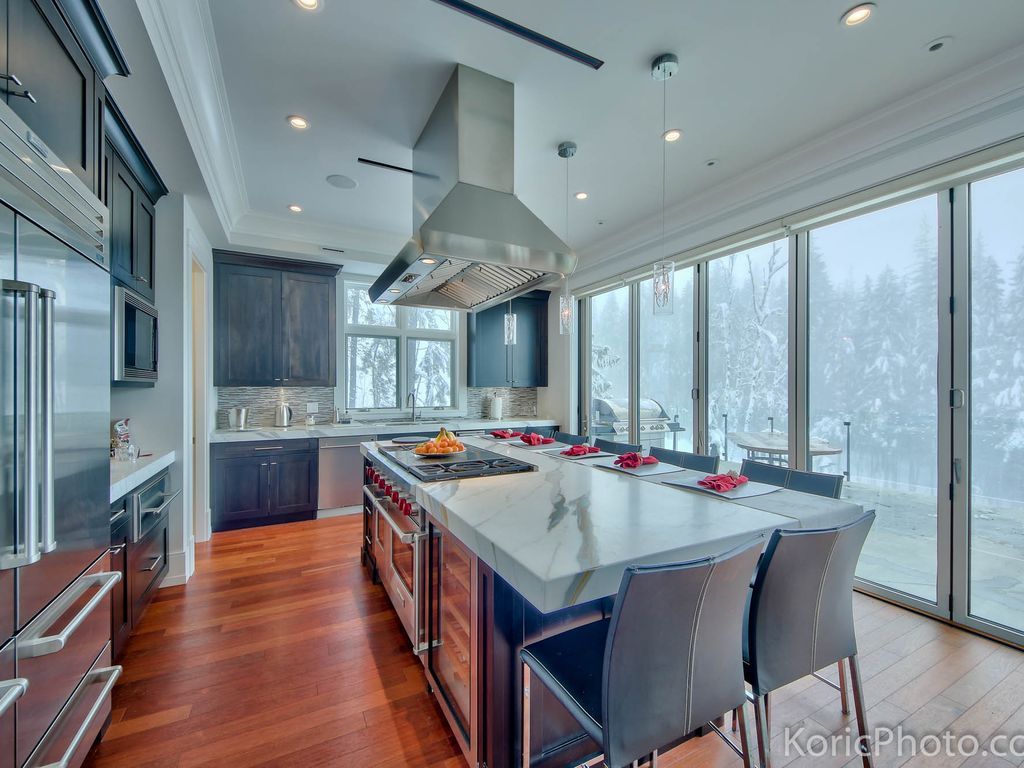 Eagle Passage: Luxury Ski In/Ski Out Chalet - 1010235