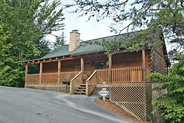 Don't Fence Me In Four Bedrooms Cabin