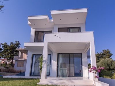 Photo for Villa first on sea in a complex wit amazing sea view