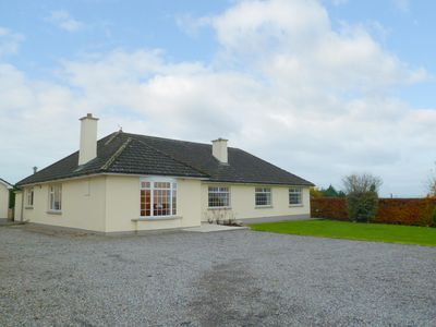 Photo for Detached Bungalow for 6/12