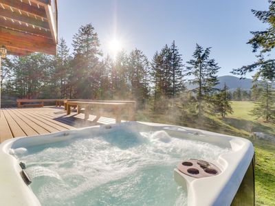 Photo for Spacious and secluded home with golf course view and a private hot tub!