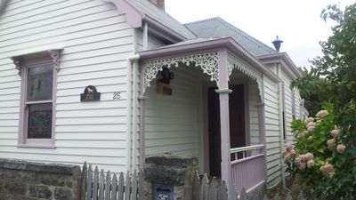 Photo for Peck's on Pine Victorian Cottage