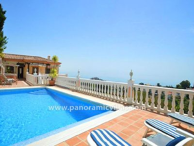 Photo for 4 bedroom Villa, sleeps 8 in Benalmádena with Pool, Air Con and WiFi