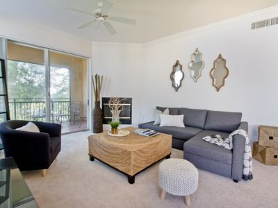 Photo for Clean modern 3 bedroom in prime Wellington location with parking and amenities