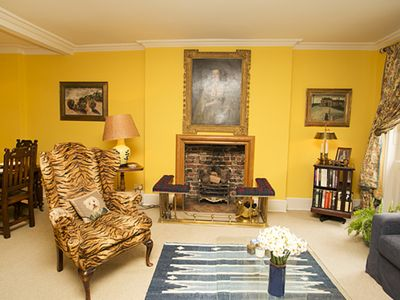 Photo for Beautifully Decorated 2BR Apartment close to Sloane Square, Sleeps 4 (Veeve)