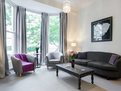 Photo for Elegant Georgian 2 bed in Notting Hill