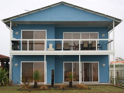 THE BIG BLUE HOUSE Stansbury