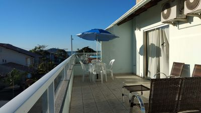 Photo for 200m², WiFi, Netflix, Air conditioning, close to the beach and Beto Carrero