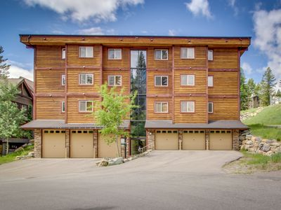 Photo for Charming condo w/ a shared hot tub, updates, walk to the slopes!