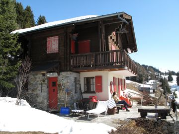 Quaint, quiet area in the Swiss chalet style, with fabulous views