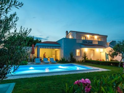 Photo for Villa with pool, large garden, 800 meters from the beach entfert