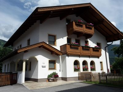 Photo for Cozy apartment in the Zillertal with mountain views, quiet location, ski bus nearby, hiking