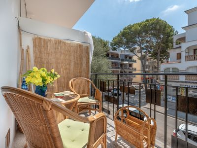 Photo for Modern Apartment with Balcony & Wi-Fi; Pets Allowed, Close to the Beach