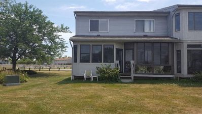 Photo for Lake Erie Western Basin.  Sleeps 6 in beds