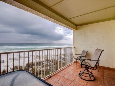 Photo for Charming gulf-front condo in South Walton! Outdoor showers on-site!