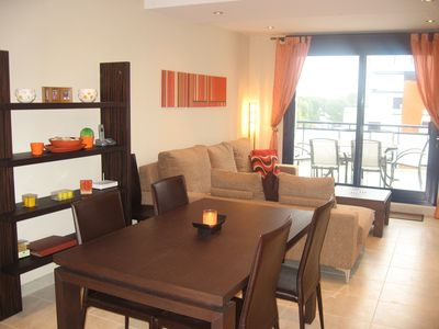 Lounge diner (with extending dining table)