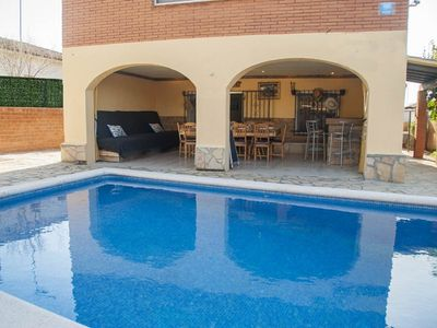 Photo for Club Villamar - Comfortable house with private pool has a large porch with a bar ideal for relaxi...