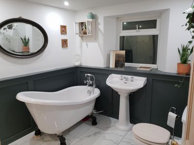 Photo for Centrally located, modernised, very spacious cottage